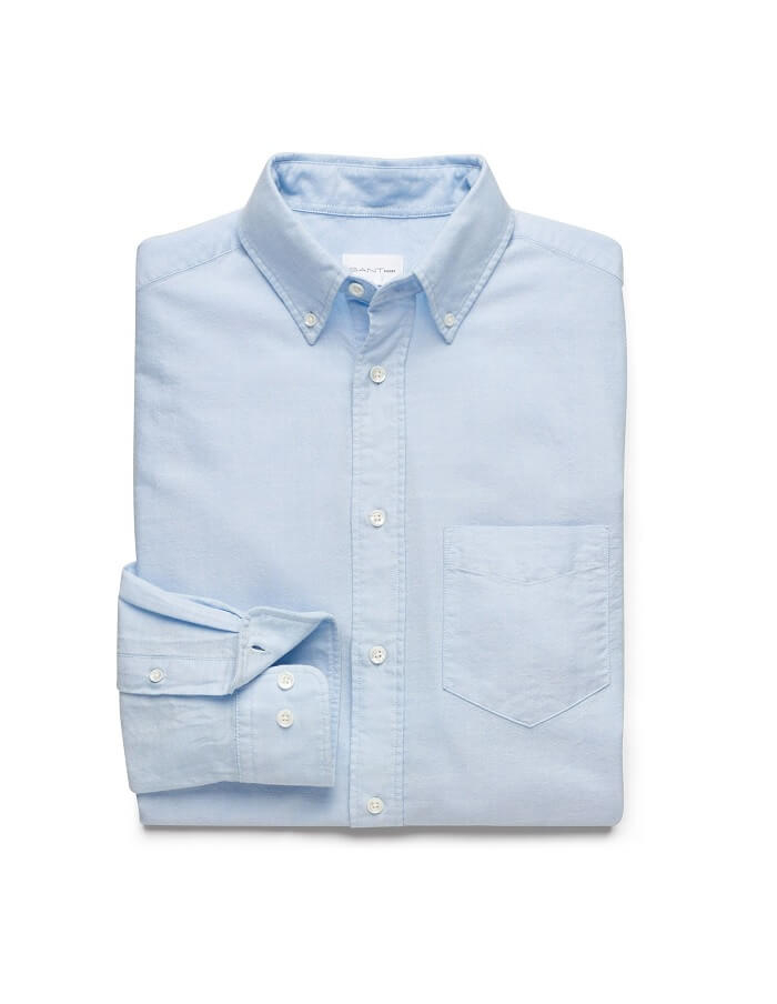 Den klassiska ljusblåa oxfordskjortan är inte alltid lätt att hitta till  ett förmånligare pris d0d55af2e7418