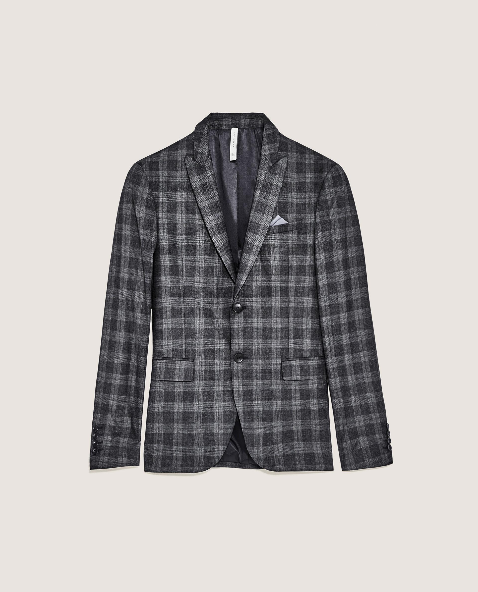 Ett mycket prisvärt alternativ kommer från Zara i ett rutigt utförande som  även finns tillgänglig som hel kostym. Kavajen kommer men aningen  spetsigare slag ... f7164a1e4d76e