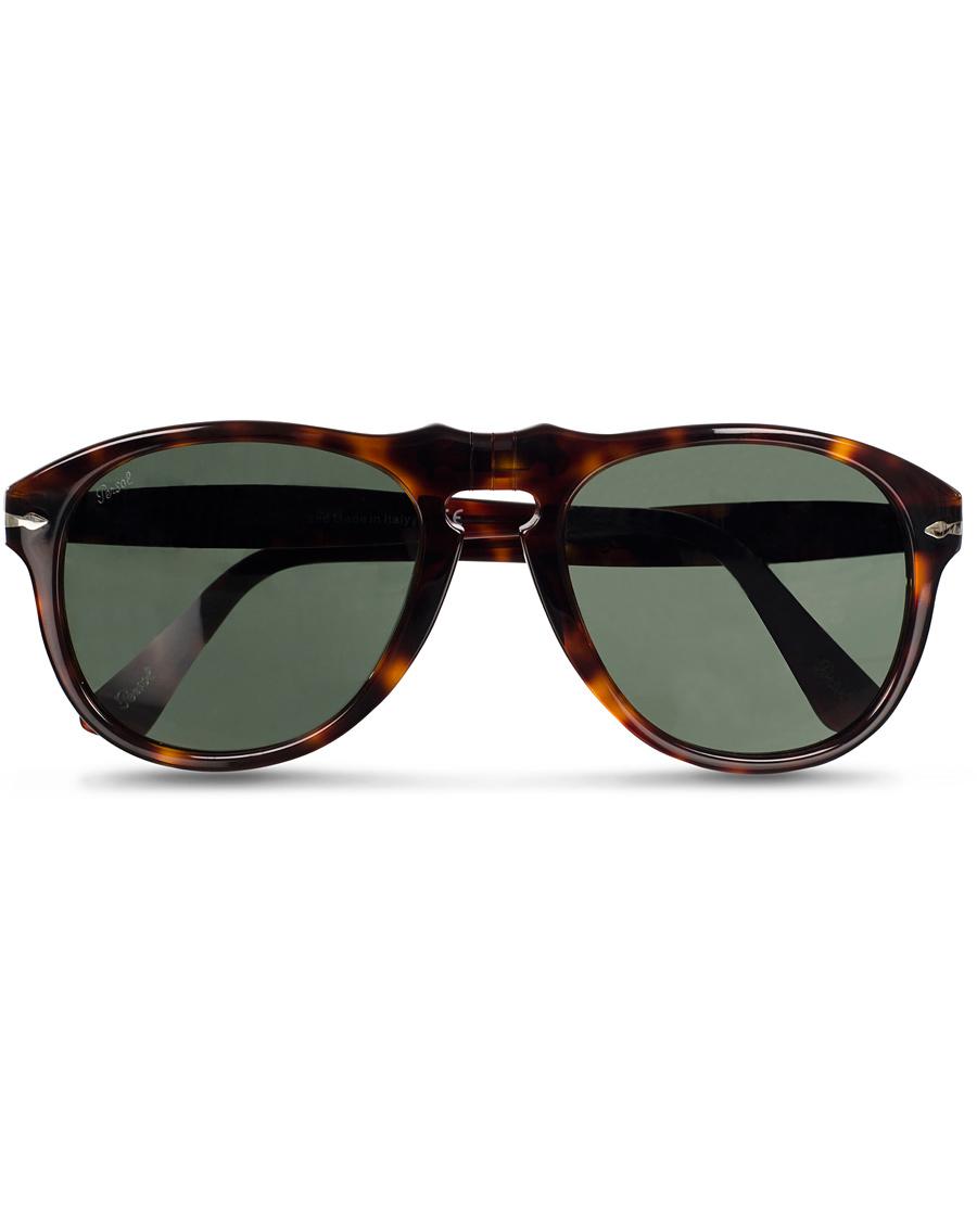 Från början var produktionen endast fokuserad på framställning av tekniska  glasögon med hög komfort och skyddande ... 8ea8ac1e30d36