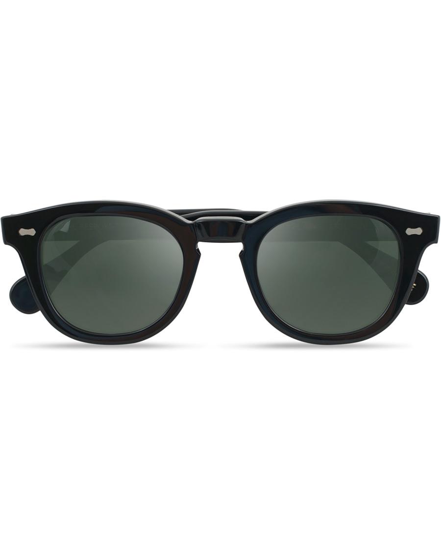 Ett annat varumärke som gjort en fin resa på kort tid är TBD Eyewear. I  kollektion finns både optiska bågar och solglasögon 7c15ea906fa64