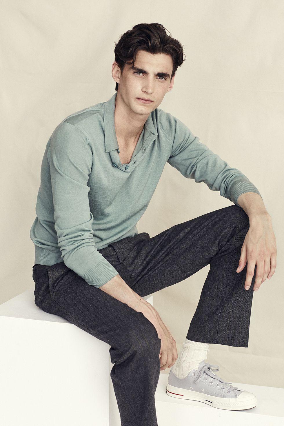 Stilinspiration  10 sätt att bära långärmad tröja med krage – King ... b913691fdebf2