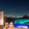 Se svenskens inflyttningsfest i Beverly Hills dyraste hus