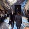 Här visar Louis Vuitton årets höstkollektion i Paris