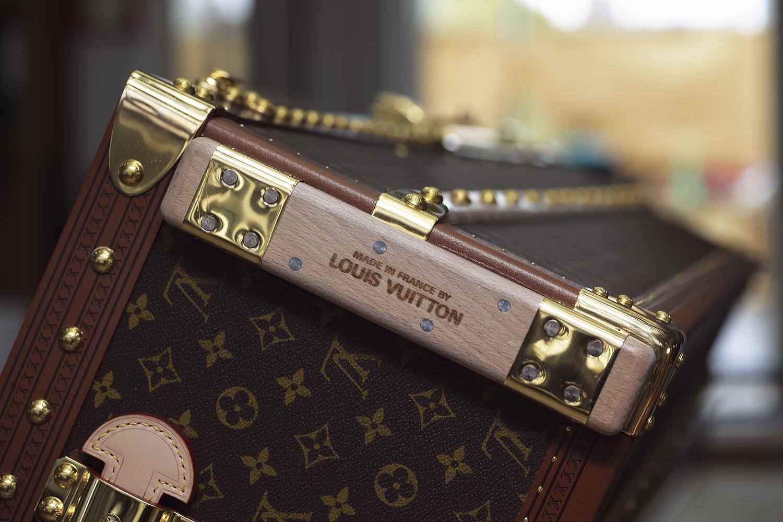 Stor Långläsning: King besöker Patrick-Louis Vuitton i Paris – King ZR-96