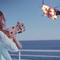 Här skjuter Lana Del Rey ner helikoptern
