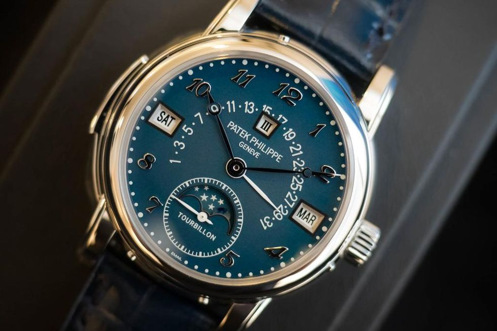 steel-patek-5016a-auction-01.jpg