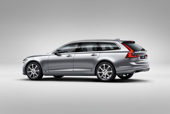 173853_Volvo_V90_Studio_Rear_3_4.jpg