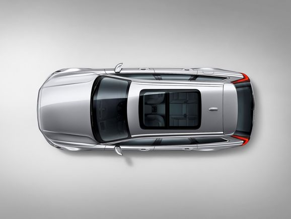 173850_Volvo_V90_Studio_bird_s_eye_view.jpg
