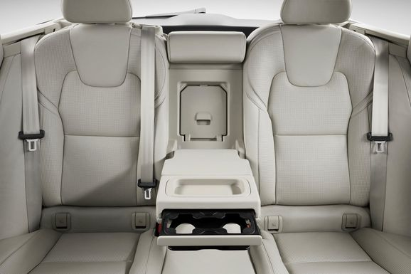 173840_Volvo_V90_Studio_Interior_Rear_seats.jpg