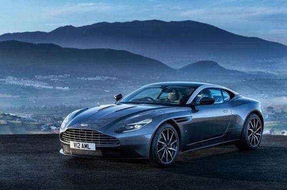 Aston_DB11_004.jpg