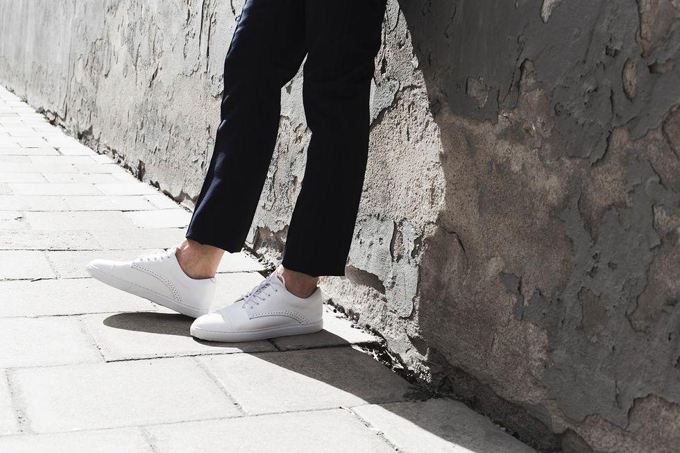 vita sneakers herr .jpg