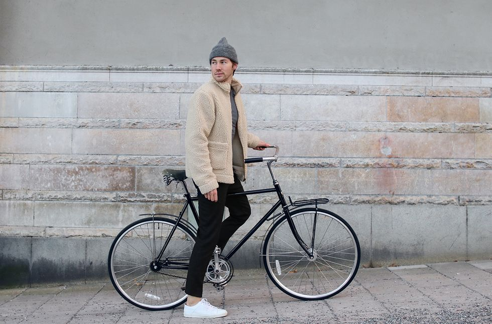 Svart fleecejacka Stockholm.jpg