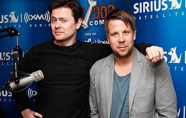 Filip och Fredriks podcast tillbaka på svenska